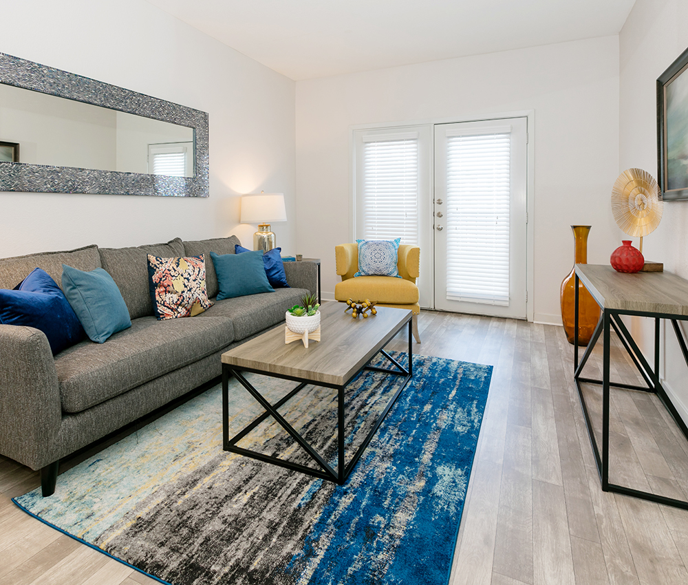 Lincoln Place - Leasing Center - Loveland Apartments